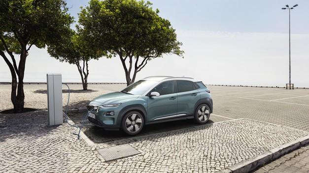 Video: 470 km autonomije poguralo je novu električnu Konu EV u prvi plan, jer to je bolje i od najboljega Tesle