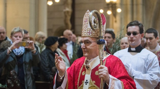 Josipa Bozanića opet ruše:  desnica ga je smijenila pred tri godine, a danas ga bivšim kardinalom proglasila ljevica
