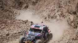 """Ekskluzivne fotografije: Cro Dakar Team u Peruu piše povijest, prvi priskaču u pomoć i zaslužuju fair play, a sad su i u """"ljutom"""" fajtu, na 4. brzincu brži od najbržeg"""