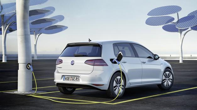 Tesla kasni s Modelom 3, a i VW zapinje u proizvodnji s električnim i plug in Golfom