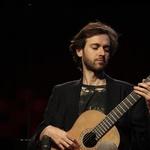 Petrit Çeku rođen je 1985. u Prizrenu gdje je završio osnovnu glazbenu školu i prva dva razreda srednje. Godine 2002. došao je u Zagreb te nastavio školovanje u Glazbenoj školi Pavla Markovca
