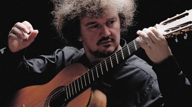 Carnegie Hall u New Yorku, dvorana Čajkovski u Moskvi i drugi najveći glazbeni hramovi otimaju se za Zorana Dukića, zagrebačkog virtuoza