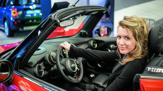 Ana Zadnik, Riječanka, drma muškim svijetom: Skrojila sam Land Rover i Renault, a sad uzimam mjeru Miniju