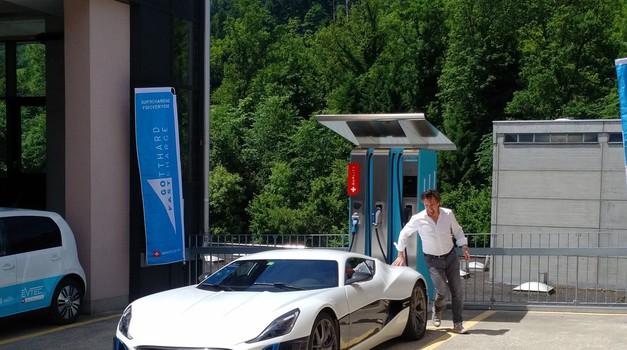VIDEO Jeremy Clarkson uzima mjeru Mati Rimcu - ekipa snova iz bivšeg Top Geara testira Concept S