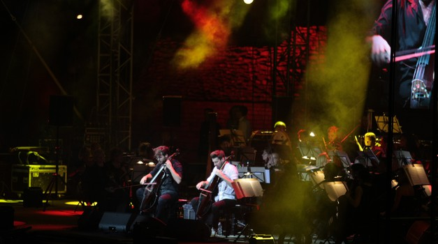 2Cellos i Zagrebačka filharmonija zapalili Arenu