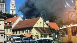 Zagreb gori - veliki požar na Jelenovcu - gusti dim sve do Langova trga, gorjelo i na Ferenščici, a vatrogasci spašavali staricu u Cvjetnom naselju