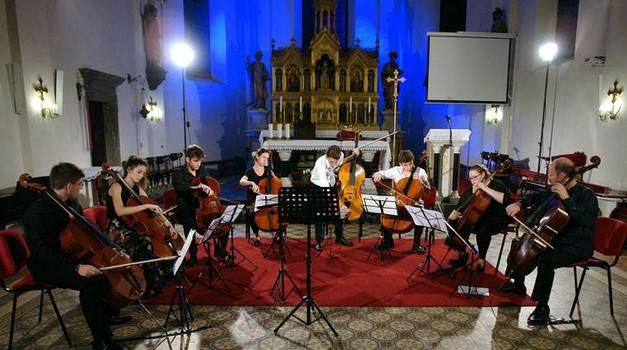 Osamdeset mladih glazbenika uživalo i sviralo u Samoboru, a za njihove nastupe tražila se karta više