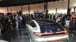 Mercedes u SAD-u povlači preko 10 tisuća vozila, prije svega najluksuznije modele poput Maybacha