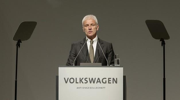 Matthias Müller iz VW oštro raspalio po Tesli i Elonu Musku koji troši državni novac i otpušta radnike