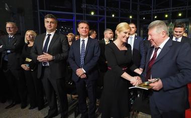 """Što je više """"kleveta i laži"""", Plenković nam je """"miliji i draži"""". Nikad više afera i nikad bolji Andrej, HDZ i Kolinda -  SDP nikad lošiji"""