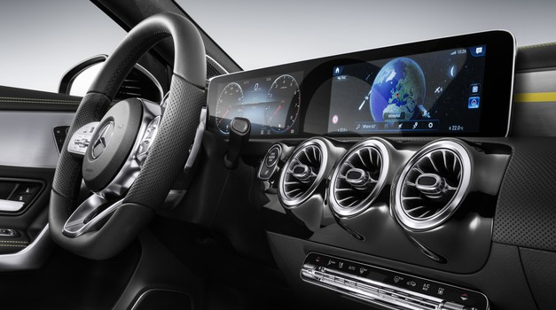 Zavirite u unutrašnjost Mercedesa A-Klase i maštajte o svom autu snova s dva zaslona kao iz zrakoplova