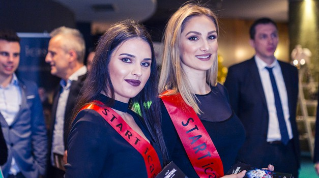 FOTO GALERIJA + VIDEO: proslava 5. broja Starta u novogodišnjem ozračju iCasina