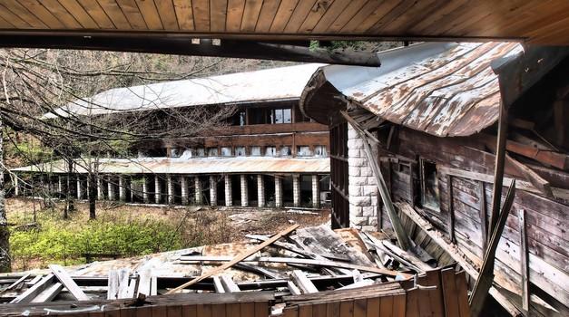 VIDEO-FOTO: Dvije septičke jame i Titova vila ruglo su Nacionalnog parka Plitvice koji zarađuje pola milijarde kuna