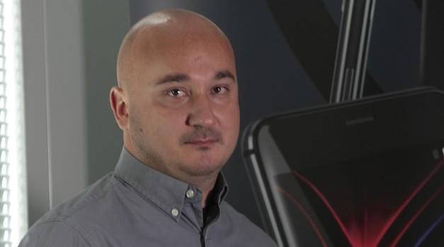"""Ne nazire se kraj velikoj priči iz Podravine - nakon iPhonea X prvi mobitel s ekranom """"od ruba do zuba"""" je hrvatski N10"""