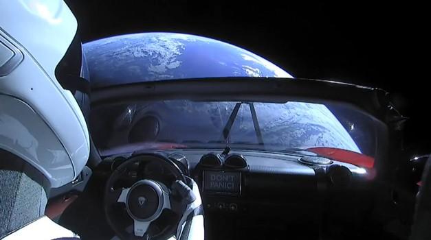 Gledajte uživo: Tesla Roadster poletio na put dug 50 milijuna kilometara, a cilj je Mars, tvrdi Elon Musk