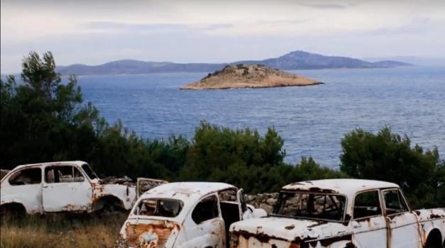 """Slijed fotografija Romea Ibriševića iz akcije """"Očistimo Hrvatsku od autoolupina, powered by Renault"""""""