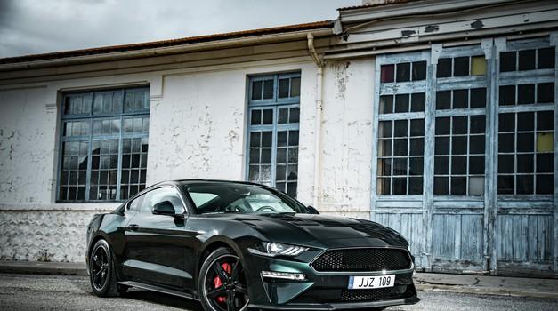 Sve u znaku Stevea McQueena - Ford Mustang Bullitt 5,0 V8 motor s 464 KS - nagrada za 50. rođendan