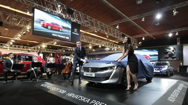 Foto galerija: Što Vas čeka na ZG Auto Showu - od  vicepremijere Mercedesa A klase do piva i kobasica