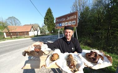 """Video: Lički """"shit"""" novi je hit Plitvica, jer 1,5 milijuna turista fekalijama puni 17. umjetno jezero"""
