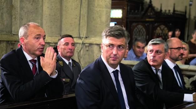 U 30 godina, idilu HDZ-a i Crkve pomutili su jedino Boban i Plenković - Crkva po drugi put u novijoj hrvatskoj povijesti protiv HDZ-a
