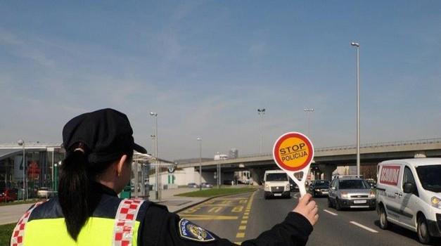Policija objavila upozorenja i savjete vozačima koji kreću na godišnji odmor