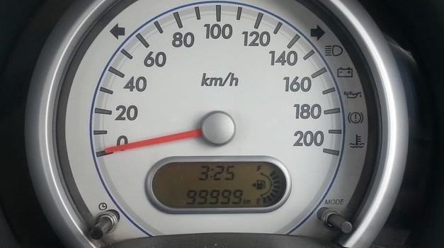 Skandal: Skoro 50% automobila uvezenih iz Njemačke ima lažne kilometre