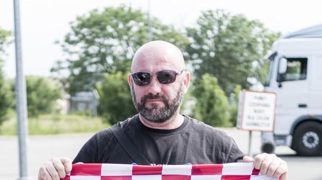 Hrvatski branitelj svo je vrijeme u Rusiji nosio dres Jean-Michela Nicoliera, bojovnika koji je poginuo u Vukovaru za Hrvatsku
