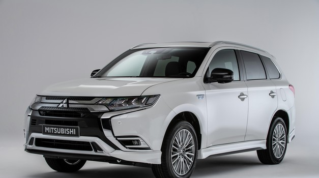 Ubojica dizelskih SUV automobila zove se Mitsubishi Outlander PHEV, jer na njega se plaća mizeran porez za razliku od dizelaša koje država progoni