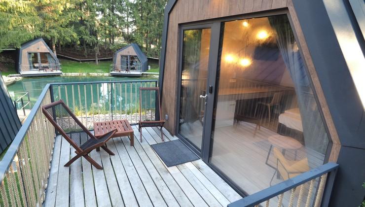Sagradili atraktivne kućice pored gnijezda kosova, češljugara, kanarinaca, vrabaca..., na drveću šuma pored Plitvičkih jezera