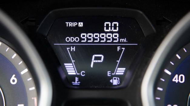 Hyundai Elantra bez problema prošla čak milijun milja