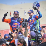 PRICE Toby (aus); KTM; KTM Factory Team; Moto; WALKNER Matthias (aut); KTM; KTM Factory Team; Moto; portrait arrivee finish line during the Dakar 2019; Stage 10; Pisco - Lima; peru; on january 17 - Photo DPPI (foto: DPPI/Start)