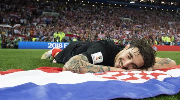 Dogodilo se na današnji dan - slika Šime Vrsaljka obišla je svijet, jer Hrvatska je ušla u finale pobjedivši Engleze