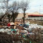 Video + foto:  Samo ograde dijele Kolindinu rezidenciju na Pantovčaku i Kraševu tvornicu u Maksimiru od rugla i deponija smeća (foto: Romeo Ibrišević)