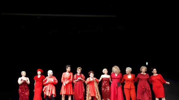 U Zagrebu obilježen Dan crvenih haljina