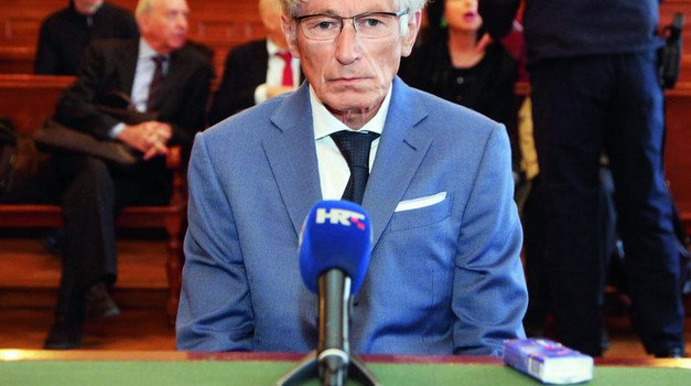 Tomislav Horvatinčić dobio 4 godine i 10 mjeseci zatvora, a povijest njegovih prometnih grijeha je velika. Tajkun je ubio njih četvero, ozljeđivao, a da nije ostao bez vozačke