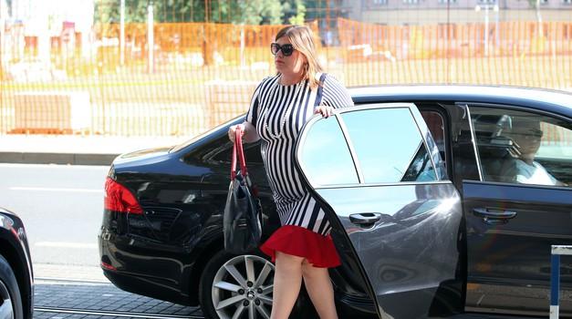 """Vozi luksuzni Mercedes E-Klase po cijeni običnog Golfa, kakav dobar """"ubod"""" ministričine majke"""
