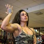 Zvonimira Trusić, žena kojoj suparnice a i neki suparnici ne žele ni u ring ući, najjača je i ima naj mišiće (foto: start press)