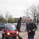 """Milan Bandić i Ivica Vrkić daruju ugradnju """"struje"""" u dizelaše i benzince, besplatnu eneriju, parkiranje u javnim garažama, oslobađa plaćanja poreza. SVE ZA EKOLOGIJU (foto: Romeo Ibrišević)"""