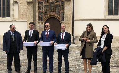 VIDEO: Mislav Kolakušić predao listu s 4x više potpisa nego što je bilo potrebno i predstavio 12 hrabrih