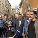 """4x VIDEO Što je sve rekao Mislav Kolakušić u Rijeci: - Bit ću premijer, ministar pravosuđa i policije i utvrditi ću jesu li """"mercedes"""" kupili svojim ili našim novcem (foto: Igor Stažić)"""