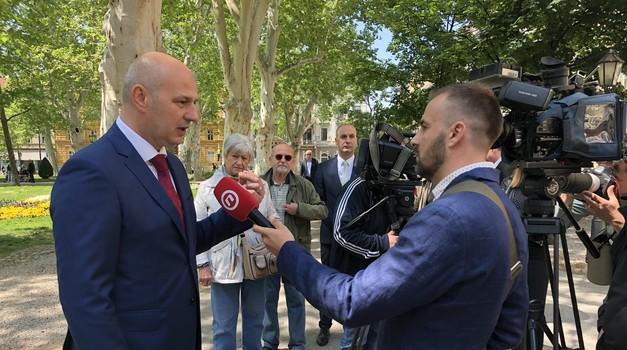 """3x VIDEO: Gotovo 40 milijuna kn dobiti će članovi biračakih odbora iz HDZ-a i SDP-a, a njih 1000 koji su odlučili besplatno nadzirati izbore ne smiju ni """"prismrditi"""" biralištima"""