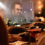 Šareni kišobrani obilježili koncert Petra Graše koji je dokazao kako nema lošeg vremena već jedino loše odjeće i glazbe, kiši usprkos zapalio publiku