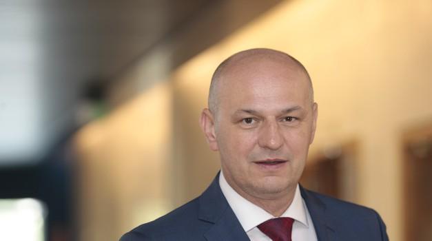 Eliot Ness ukazao se u Hrvatskoj! Kolakušić zaziva drukčiju Hrvatsku i Drugu republiku, ne osvoji li 600.000 glasova projekt staje i on će biti tek najbolji HR europarlamentarac ikada