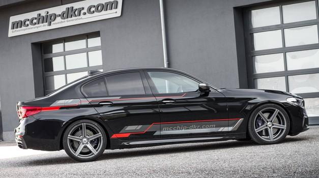 BMW M550d xDrive mcchip-dkr je dizelska alternativa za BMW M5