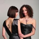 U svijet izrade nakita Mia i Dea Maretić tek su kročile, no sestre i najbolje prijateljice već su godinama poznate na modnoj sceni. Na pistu su zakoračile još u ranom djetinjstvu, a lijepa lica i prekrasan izgled vinuli su ih u sam vrh scene (foto: Arhiva Maretić)