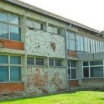 HNS se hvali da su oni najzaslužniji što počinje u Vukovaru obnova škole koja je razrušena 1991., umjesto da se svi zajedno pokrijemo preko ušiju - cijela Varšava obnovljena je u samo 5 godina (foto: OŠ Nikola Andrić)