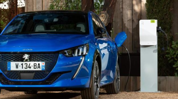 Nevjerojatno, ali Peugeot e-208 bira čak svaki četvrti kupac