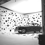 Kulisu za proslavu 60. obljetnice kultne mačke kao iz filma o 101 dalmatineru, osmislio čuveni fotograf Rinkin i to sve u čast nekad najbrže limuzine Jaguara Mk2 (foto: Rankin)