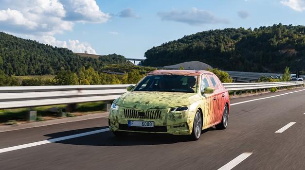 Za petama Golfu! Nova Škoda Octavia već je na cesti, za sada zamaskirana, a svjetsku premijeru češki klon Golfa imati će 11. studenoga i bez 100 % struje i plina