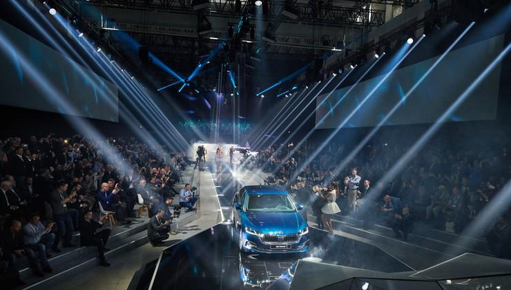 VIDEO: Škoda Octavia IV svjetska premijera u Nacionalnoj galeriji u Pragu uz jazz i Češku filharmoniju, 60 godina i 6,5 milijuna prodanih primjeraka velika su obaveza za najprodavaniji češki auto